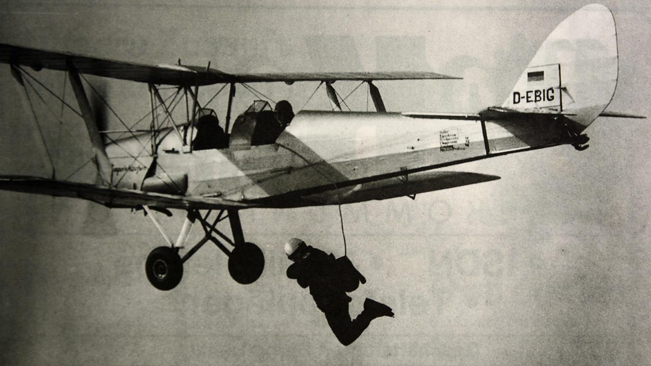 1955-fallschirmsprung-gelnhausen